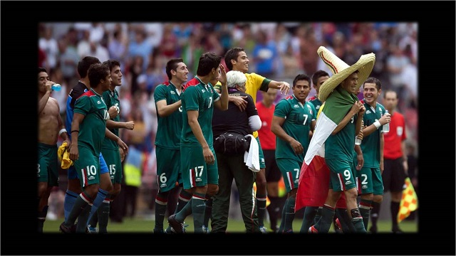 La Selección Mexicana enfrentará a Brasil con un récord positivo en mente   Su superioridad sobre los brasileños en partidos de vida o muerte. caaba5521a6fd