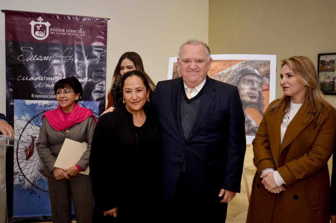 Inaugura Magistrado Presidente Edel Álvarez Peña exposición fotográfica de la artista veracruzana Susan Luna Bernal